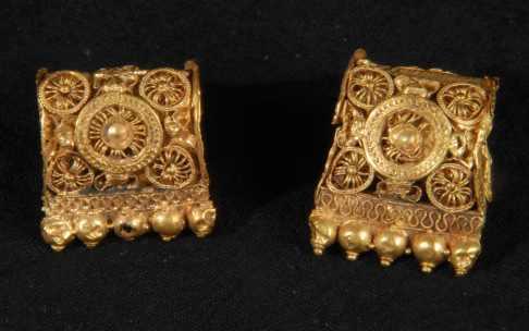 Orecchini d'oro - Chiusi